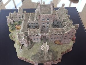 "LILLIPUT LANE - Larger scale model of ""Cawdor Castle"" Limited Edition of 3000."