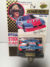 VINTAGE NASCAR RICHARD PETTY OFFICIAL STOCK CAR COLLECTION 1/64 scale1992
