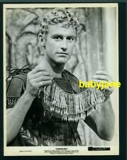 RODDY McDOWALL VINTAGE 8X10 PHOTO HOLDING NECKLACE 1963 CLEOPATRA