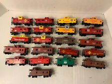 B105-  Mixed Lot Of HO Scale Cabooses