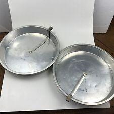"2 Vintage Comet 9"" x 1-1/2"" Round Aluminum Cake Pans w/ Slider Release Arm Pan"