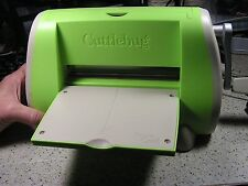 Cuttlebug Machine Provo Craft Green Embossing Die Cut w/embossing cuts