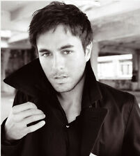 Enrique Iglesias UNSIGNED photo - B1349 - Spanish singer, songwriter and actor