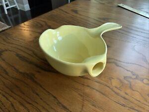 Vintage Ceramic No-Drip Gravy Separator w/ Spout, Yellow