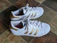 Adidas Superstar B39402 Casual Sneaker  Size 7 White metallic Gold Nice