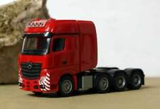 Camions miniatures rouges Herpa