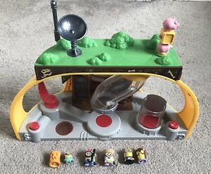 Dru Super Lair Toy Playset With Sound Effects Despicable Me Minions x 6 Figures