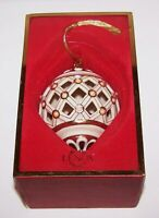 LOVELY LENOX CHINA FLORENTINE BALL WITH PEARL & GOLD CHRISTMAS ORNAMENT IN BOX