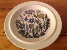 """Vintage Arabia Finland Flora Dinner Plate 10"""" Designed by Esteri Tomula"""