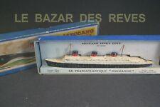 DINKY TOYS FRANCE.  Transatlantique paquebot NORMANDIE + Boite. REF 52 C.(lot2)