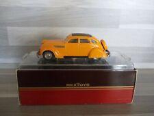 REX Toys 1/43 - Chrysler Airflow 1935 Conduite Interieure #21 Orange