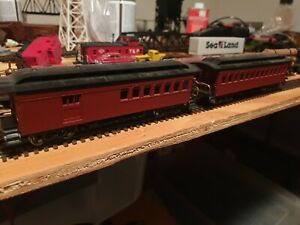 HO Bachmann Pair of 47' Old Time Passenger Cars painted unlettered