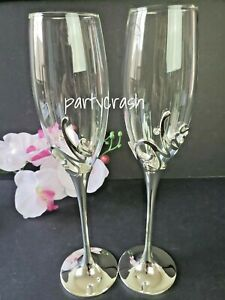 Mr & Mrs Bride and Groom Wedding Set of 2 Champagne Flutes Wine Glasses Gifts