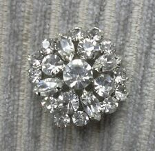 Vintage Style Brooch / Pin Very Pretty , Set With 17 Diamantes