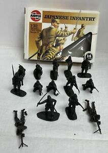 Vintage Airfix Japanese Infantry 1:32 14 Pieces Model Figures Series 2