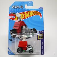 Hot Wheels Snoopy Peanuts Red Dog House Hot Rod - HW Screen Time 9/10