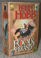 FOOL'S ERRAND Robin Hobb TAWNY MAN Ttrilogy Bk 1 2002 PB LONDON UK 1st Printing