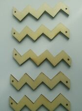 5 Natural unfinished wooden chevron zig zag beads - Geometric -