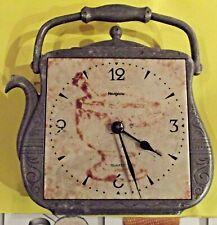 Ancienne Pendule de Cuisine Vintage HANGARTE forme fantaisie Bouilloire