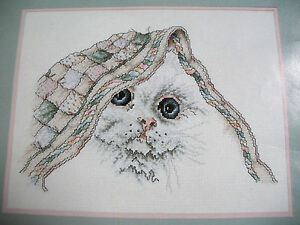 """Janlynn Counted Cross Stitch Kitty and Quilt Kit #80-78 14""""x11"""" White Cat Kitten"""