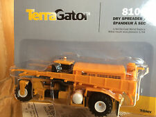 ERTL 1:64 Terragator 8103 dry fertilizer spreader