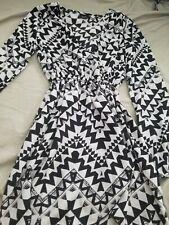 Small rue 21 black white print wrap dress