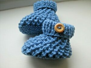 CUTE PAIR HAND KNITTED BABY BOOTIES in DENIM BLUE SIZE 0-3 MONTHS (1)