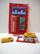 Vintage 1962 TootsieToy Ford C600 Oil Tanker Set Auto Car Lift 1957 Ford Pickup