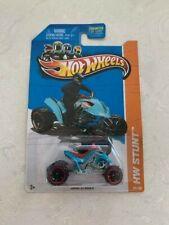 2013 Hot Wheels HW Stunt Sand Stinger #98