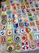 Lot 146 fanion d'équipe de football et fédération