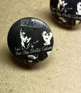 Mini Soft Cell Marc Almond Goth Pop rock Badge 17mm 1980s Original Red Moon