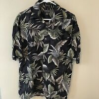St John's Bay Island  Style Men Short Sleeve Shirt Foliage Size Medium