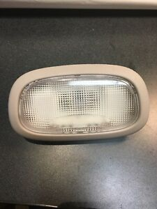 02-07 Jeep Liberty 99-04 Grand Cherokee 05 - 08 Dodge Magnum REAR Dome Light