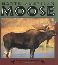 North American Moose (Nature Watch (Lerner))