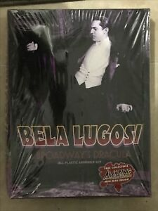 Bela Lugosi as Broadway Dracula plastic model kit by Moebius 914 Sealed