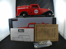 Schuco n° 00044 MERCEDES 170 V Citerne STANDARD OIL Limited Edition 1/18 minted