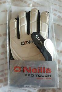 ONEILLS PRO TOUCH BLACK &WHITEPROFESSIONAL GAA FOOTBALL GAELIC GLOVES SIZE M NEW