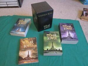 THE DARK TOWER VOLUMES 1 TO 4 - BOX SET - STEPHEN KING - PAPERBACKS