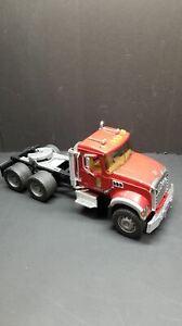 Bruder Mack Granite Flatbed Truck