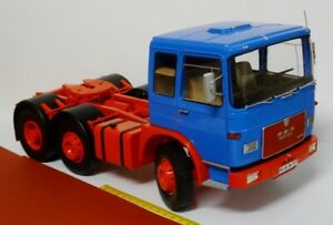 Man F7 13.304 Zugmaschine Bleu 1:18 - Road Kings RK180051