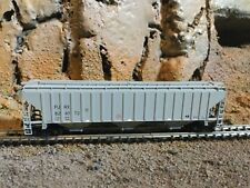 N Scale unbranded 3 bay covered hopper FURX  mtl couplers  SUPER DETAIL