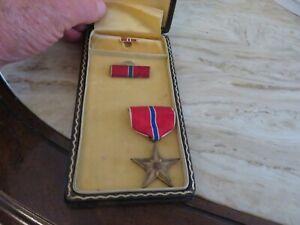 WWII US Bronze Star -Bar-Pin W/Presentation Box