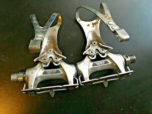 Vintage SHIMANO 600 PD-6207 Road Pedals with Toe Clips (Large)