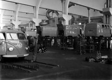 Volkswagen T1 Transporter– 1950 assembly in VW factory – photo