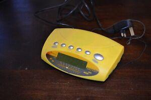 Bench KH2285 FM AM Digital clock World Receiver Band Radio bright yellow w Alarm