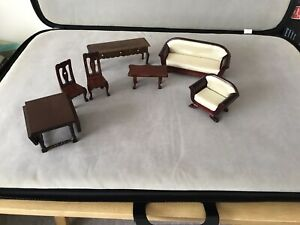 dolls house furniture 1/12 scale