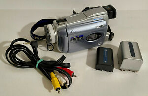 Sony DCR-TRV38 Handycam Mini DV Camcorder NTSC 10x Zoom NightShot Bundle