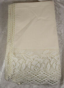 5 x large cream napkins with faux lace detial table ware dining room