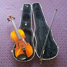 Vintage German made violin, 3/4 Size, Lewis & Sons with fiberglass case and bow