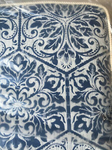 """Frontgate Chair Cushion 21"""" x 19"""" Blue Medallion with Piping NEW"""